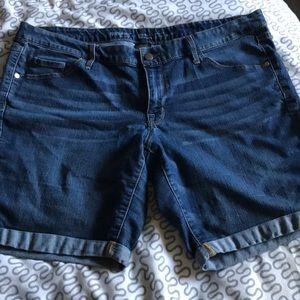 Mossimo mid rise Bermuda denim shorts